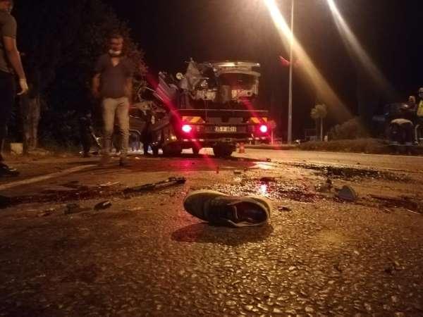İzmir'de korkunç kaza: 2 ölü, 2 yaralı