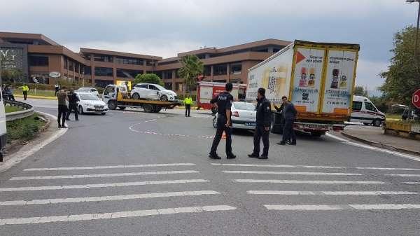 Otomobil, minibüs ve tırın karıştığı kazada 5 kişi yaralandı