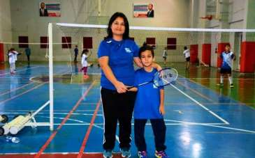 Hem annesi hem antrenörü