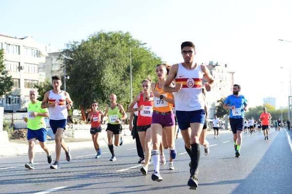 İstanbulu koşuyorum etkinliklerinin Bakırköy etabı tamamlandı