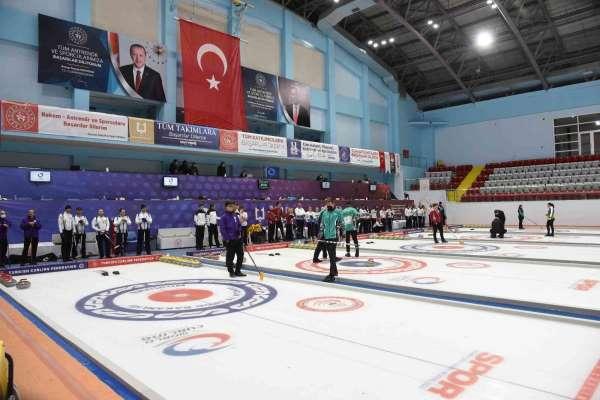 Curling 2022 Kış Olimpiyat Oyunları ön eleme müsabakaları Erzurumda devam ediyor