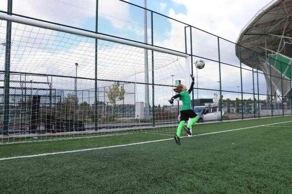 Geleceğin Muslerası, futbolcu şehri Sakaryada yetişiyor