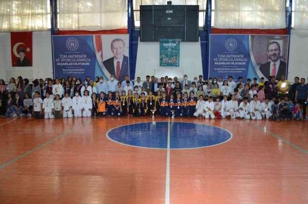 Kahtada Amatör Spor Haftası kapanış töreni yapıldı.