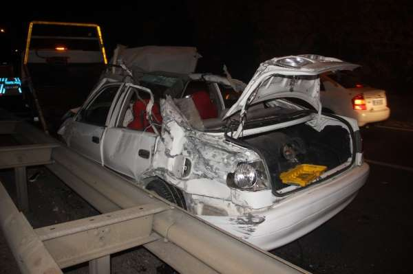 Şanlıurfa'da düğün dönüşü feci kaza: 1 ölü, 1 yaralı