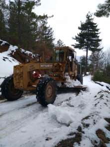 Alanya'da kar yağışı nedeniyle kapanan yollar açıldı