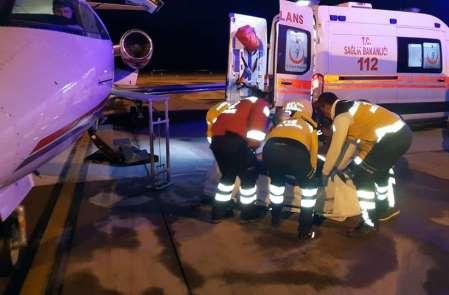 Soba patlamasında yaralanan 2 kişi ambulans uçakla İzmir'e gönderildi