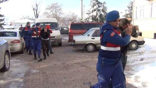 Şehit ailesini dolandırdığı iddia edilen 3 şüpheliye adli kontrol