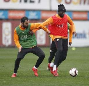 Galatasaray yağmur altında derbi çalışmalarını sürdürdü