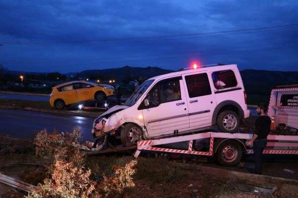 Sivas'ta trafik kazası: 8 yaralı