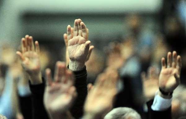 Beşiktaş'ta Fikret Orman yönetimi idari ve mali yönden oy çokluğuyla ibra edildi