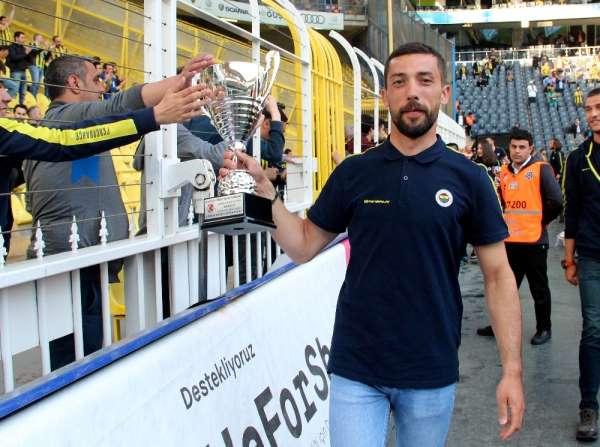 Fenerbahçe'de kupalar sergilendi