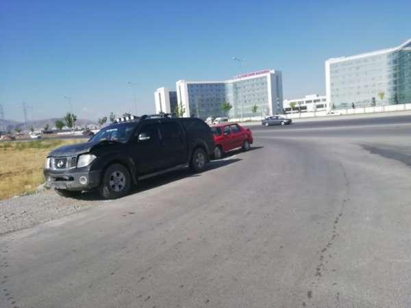 4 aracın karıştığı zincirleme trafik kazasında 1 kişi yaralandı