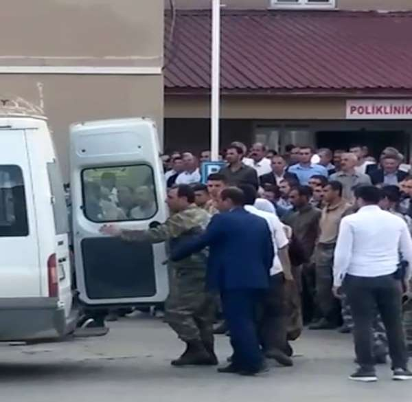 Bitlis'in Hizan ilçesinde meydana gelen trafik kazasında ilk belirlemelere göre