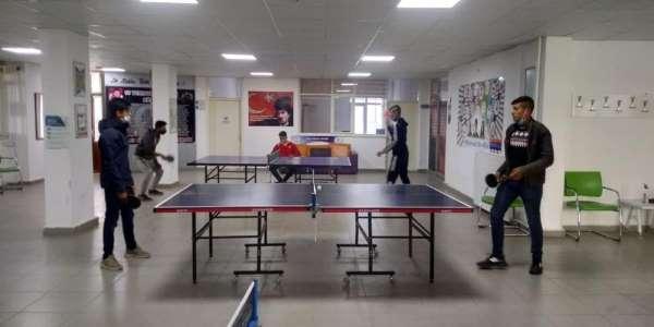 Gençlik Merkezinde masa tenisi etkinliği