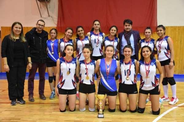Türkiye Okul Sporları Voleybol Gençler A Grup müsabakaları Isparta'da