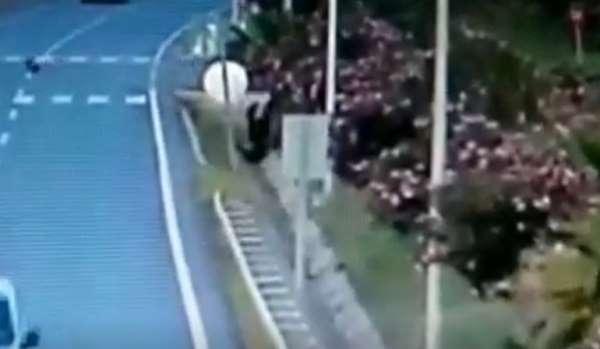 Antalya'da korkunç kaza...Havada taklalar atıp metrelerce ileri uçtu