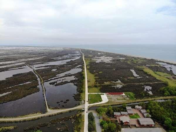 Cumhurbaşkanlığınca 'kesin korunacak hassas alan' ilan edilen Kuş Cenneti havada