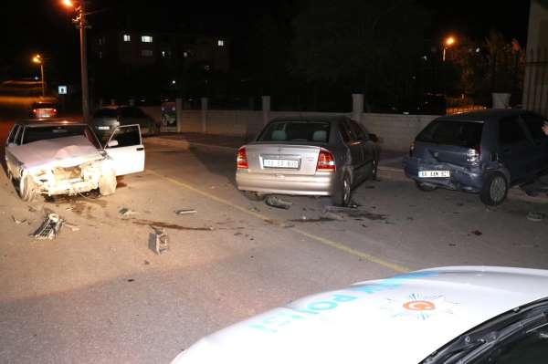 Aksarayda 5 araçlı trafik kazası: 1 yaralı