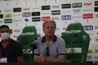 Menemenspor Teknik Direktörü Dilaver Mutlu: 'Sezon boyunca oynadığımız gibi oyna