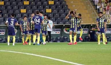 Süper Lig: Fenerbahçe :0 - D.G.Sivasspor: 1 (Maç devam ediyor)