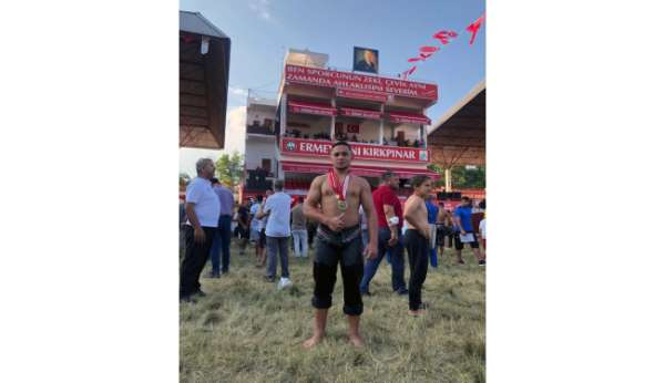 Büyükşehir Güreşçisi Kırkpınarın deste küçükboy şampiyonu