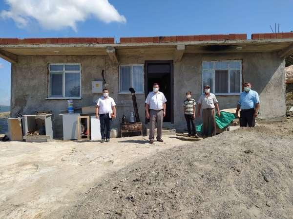 İhtiyaç sahibi 2 aileye ev