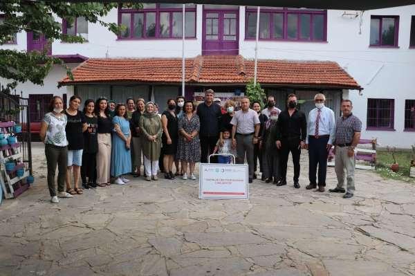 Manisa Büyükşehir Belediyesi üreten kadınları destekliyor