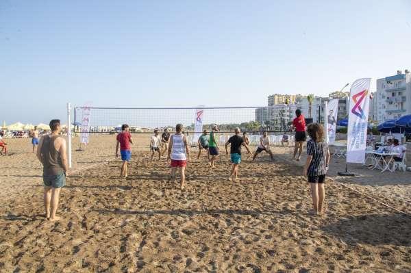 Mersinde 2. Siteler Arası Plaj Voleybolu Turnuvası başladı
