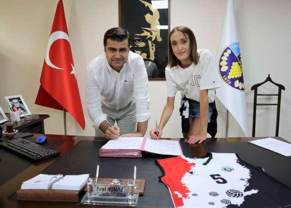 Selinay Akçin Turgutlu Belediyesporda