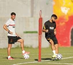 Albert Riera Galatasaray'da teknik ekipte