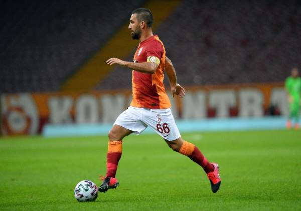 Arda Turan, 3 bin 403 gün sonra kaptan olarak Galatasaray formasıyla