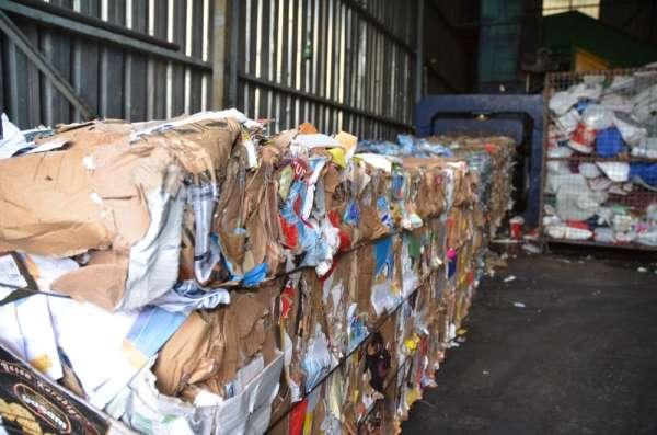 Kuşadası'nda 6 ayda 2896 ton ambalaj atığı ekonomiye kazandırıldı