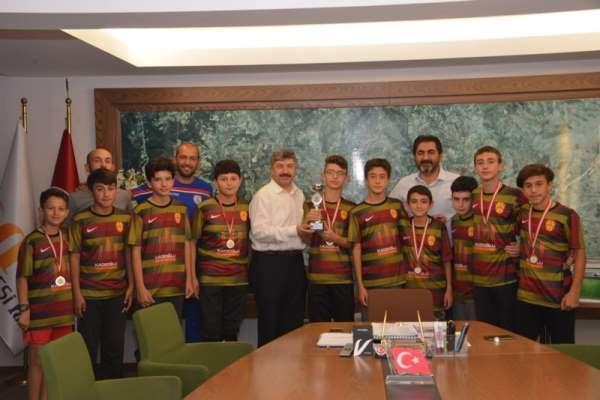 Sporculardan Başkan Akçadurak'a ziyaret