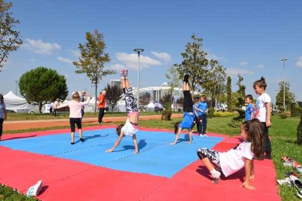 Sporun kalbi Hüdavendigar Park'ta atıyor