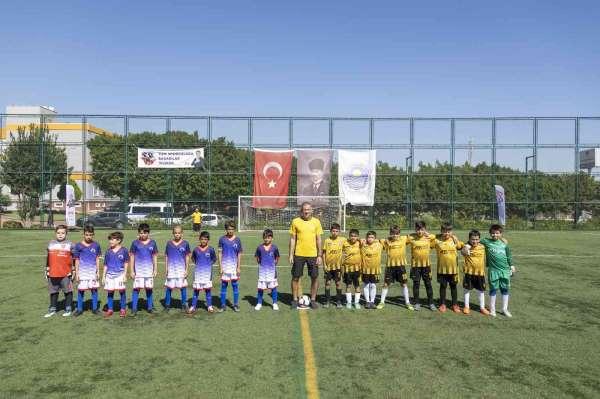 Mersinde Atatürkü Anma 10 Yaş Futbol Turnuvası başladı