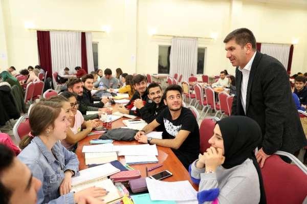 Burdur'da üniversite öğrencilerine belediye sahip çıktı