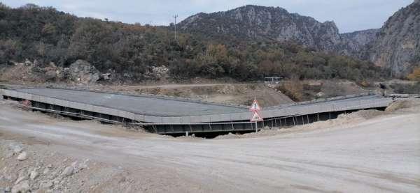 Köprü inşaatı çöktü