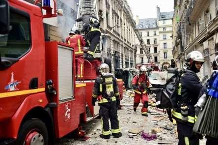 Fransa Başbakanı ve İçişleri Bakanı patlamanın yaşandığı bölgede
