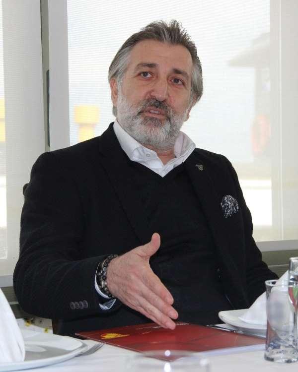 Talat Papatya: 'Yeni stadımıza girerken içimden ayakkabılarımı çıkarmak geliyor