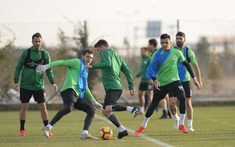 Atiker Konyaspor'da Fenerbahçe maçı hazırlıkları başladı