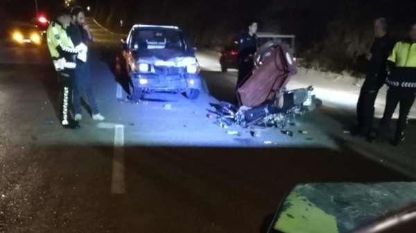 Manisa'da feci kaza: 2 ölü SON DAKİKA!