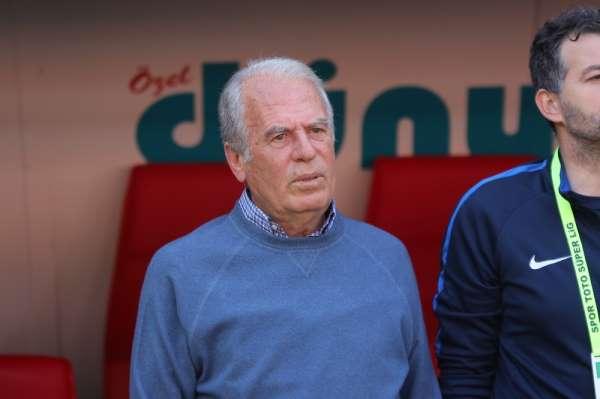Mustafa Denizli: 'Kaybetmeyi hiç düşünmediğimiz bir maçtı'