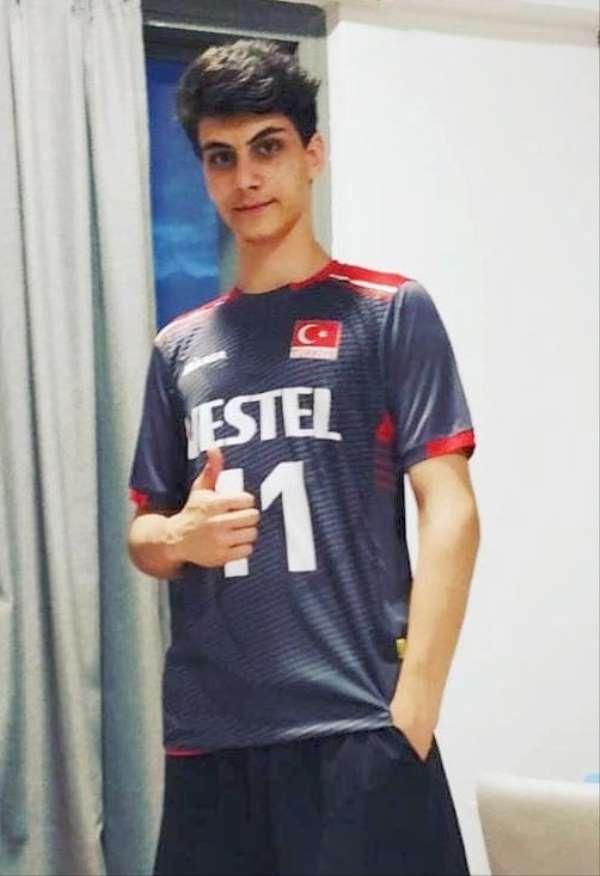 Mehmet Emre Şimşek, milli takıma çağrıldı