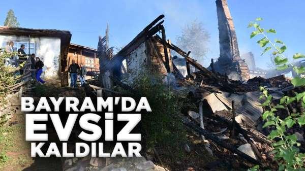 Ahşap evi ve samanlığı yanan aile evsiz kaldı