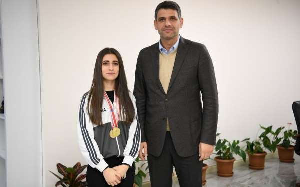 Başkan Kocaman, genç satranç sporcunu ağırladı