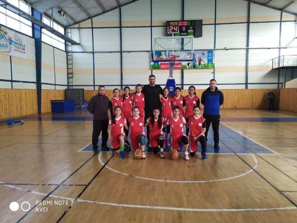 Basketbol Takımları Çeyrek Final Hazırlıklarını Sürdürüyor