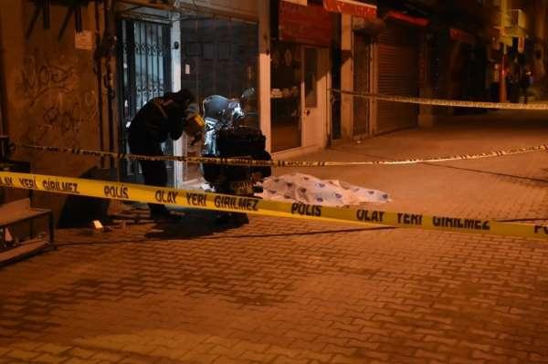 İzmir'deki bıçaklı kavgada 1 kişi öldü