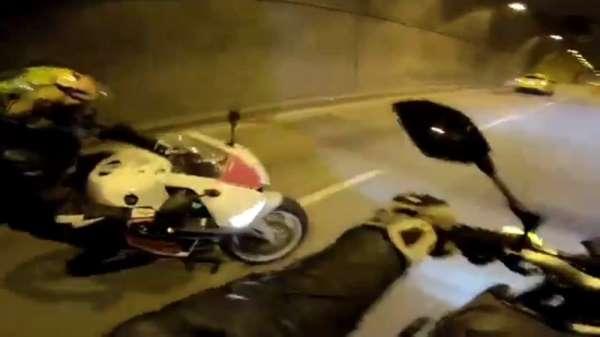 """(Özel) Dolmabahçe Tüneli'nde """"drift"""" kazası kamerada"""