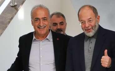 Prof. Dr. Recep Akdağ, Atatürk Üniversitesini ziyaret ederek çalışmalar hakkında