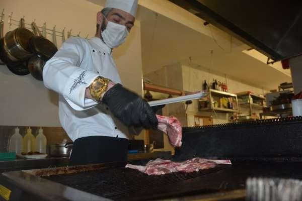 Balıkesirin yöresel lezzetleri steakhouse kültürü ile buluştu